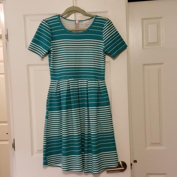 LuLaRoe Dresses & Skirts - LuLaRoe Amelia Dress